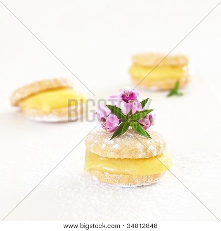Biscuits With Lemon Filling