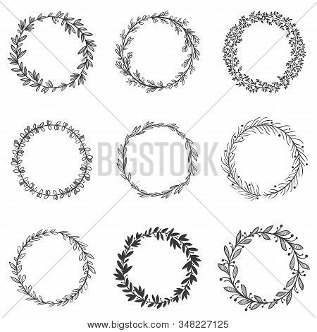 Circle Leaf Frames. Round Branches With Leafs, Hand Drawn Floral Frame And Decorative Sketch Leaf Ci