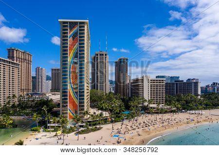 Waikiki, Hi - 19 January 2020: Aerial View Of The Rainbow Tower At The Front Of Hilton Hawaiian Vill
