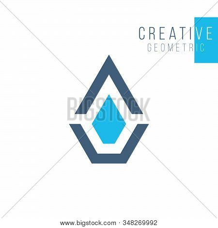 Geometric Diamond Logo Template, Jewelery Luxury Crystal Concept. Fashion Business Identity Concept.