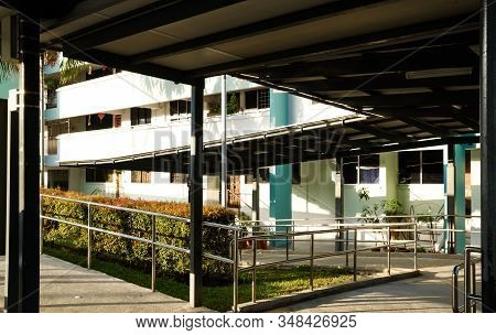 Singapore-26 Jan 2020:singapore Hdb Area Shelter Walk Link Way View