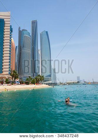 Abu Dhabi, Uae - April 1. 2019. Khalidiya Palace Rayhaan By Rotana And Etihad Towers