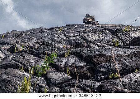 Kaimu Beach, Hawaii, Usa. - January 14, 2020: Few Rocks On Top Of Hardened Black Lava Field Off Kila
