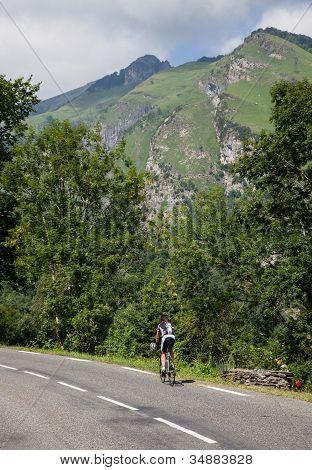 Lonely Amateur Cyclist