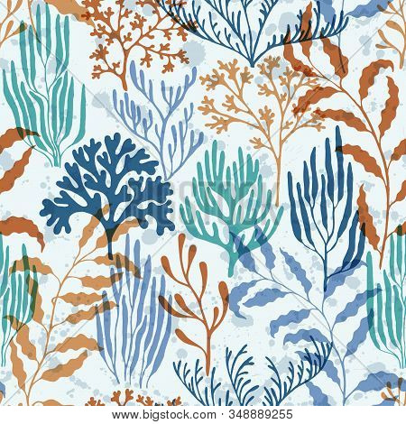 Coral Reef Seamless Pattern. Kelp Laminaria Seaweed Algae Background. Aquatic Plants Repeating Vecto