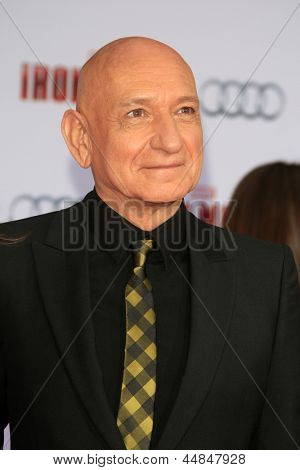 LOS ANGELES - APR 24:  Sir Ben Kingsley arrives at the