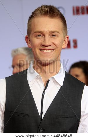 LOS ANGELES - APR 24: Jason Dolley at the premiere of Iron Man 3 at the El Capitan Theater on April 24, 2013 in Los Angeles, California