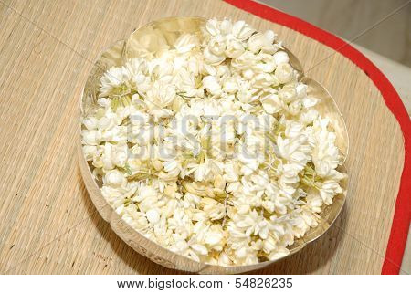 jasmine flowers garlands in asilver plate