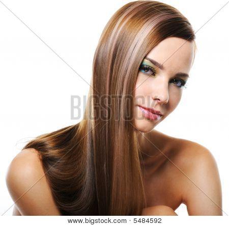 Lächelnde Frau mit gleich langen Haaren