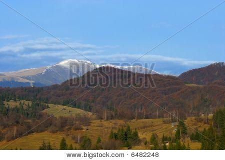 Iezer Mountains