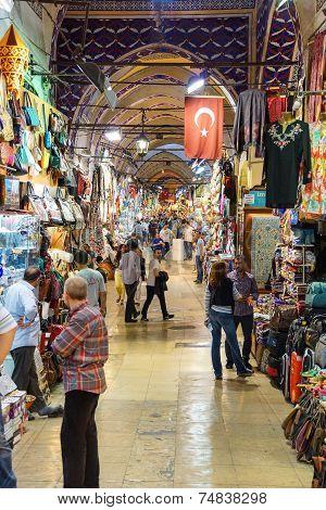 Shoppers Explore The Kapali Carsi