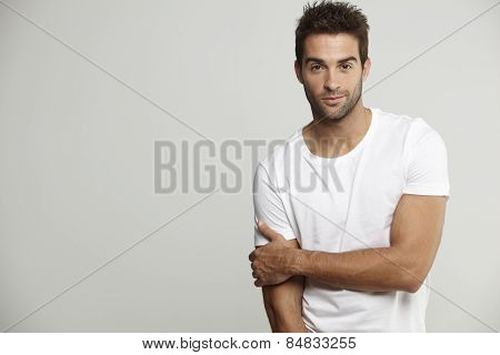 Portrait of mid adult man in t-shirt