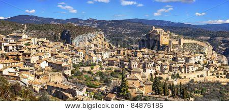 Alquezar - hiden medieval village in Aragon mountains. Spain