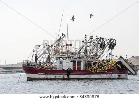 Fishing vessel in Peruvian harbor