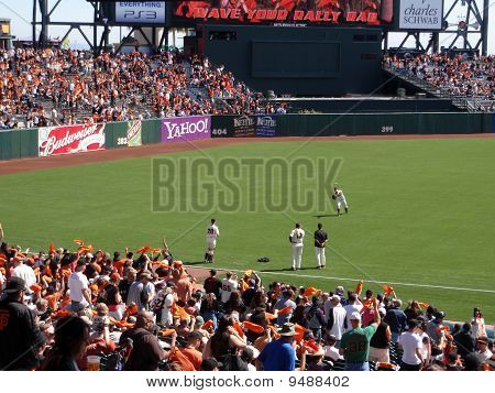 Giants Barry Zito Throws Ball To Buster Posey To Warm Before Start Of Game
