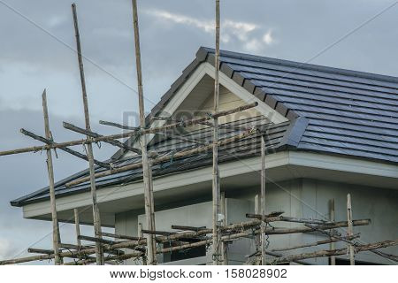 Structural steel roof using steel frames of building residential construction