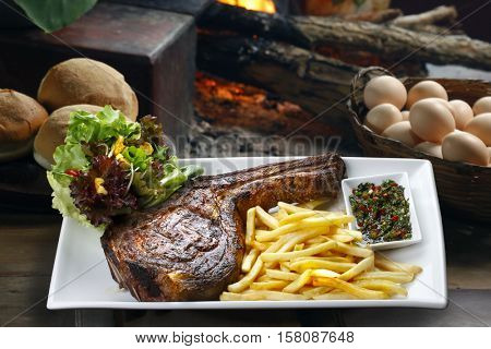Prime rib with fries and salad