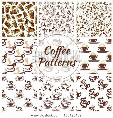 Coffee cup seamless pattern background. Fresh brewed coffee, espresso and cappuccino, served in takeaway paper cup, ceramic cup and demitasse with saucer. Coffee shop or cafe menu design