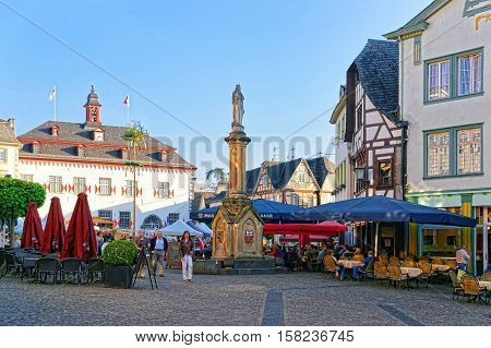City Hall And Street Market Marktplatz Linz Am Rhein