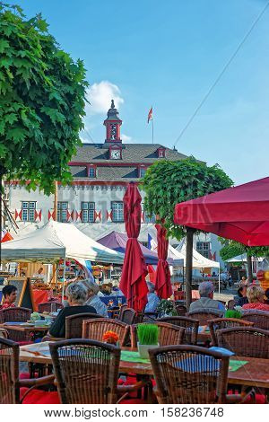 City Hall And Street Market Marktplatz In Linz Am Rhein