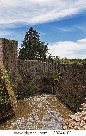 Leeds Castle In Island On Len Lake In Kent Uk