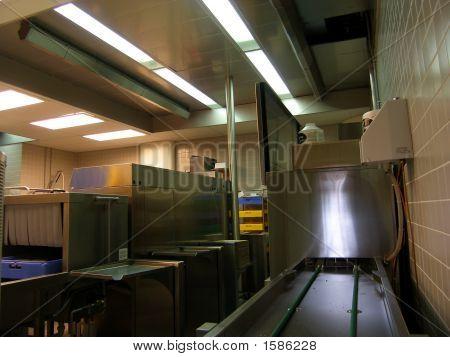 Tunnel Machines