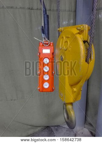 Hoist With Remote Control
