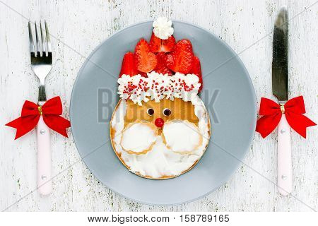 Christmas food art idea for kids - Santa pancakes for delicious and healthy breakfast
