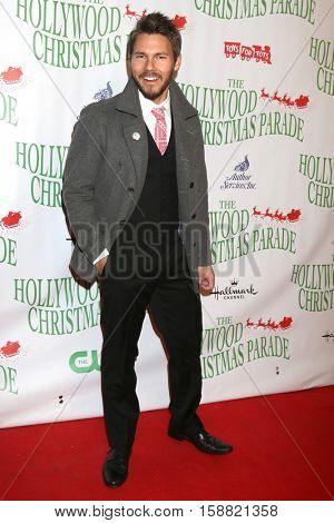 LOS ANGELES - NOV 27:  Scott Clifton at the 85th Annual Hollywood Christmas Parade at Hollywood Boulevard on November 27, 2016 in Los Angeles, CA