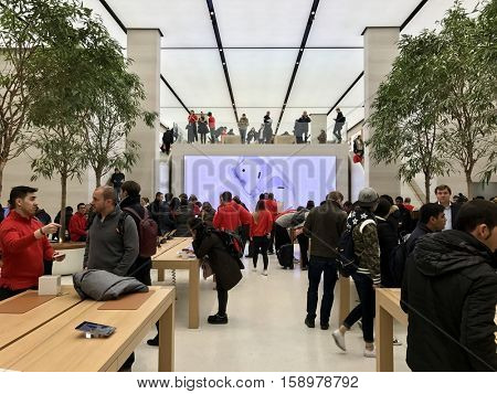 LONDON - NOVEMBER 29: The Apple Store on Regent Street on November 29, 2016 in London, UK.