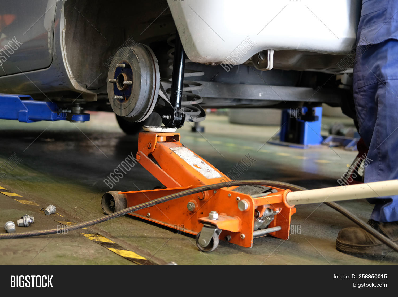 Car Lift Shock Image & Photo (Free Trial) | Bigstock