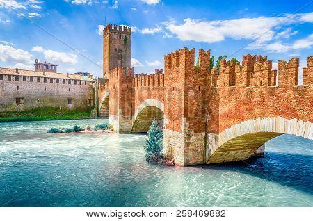 Castelvecchio Bridge, Aka Scaliger Bridge, Iconic Landmark In Verona, Italy