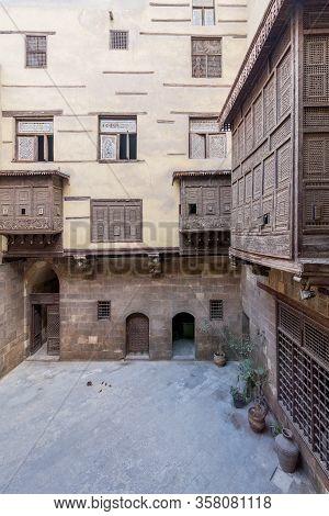 Facade Of Ottoman Era Historic House Of Zeinab Khatoun With Wooden Oriel Windows - Mashrabiya - Loca