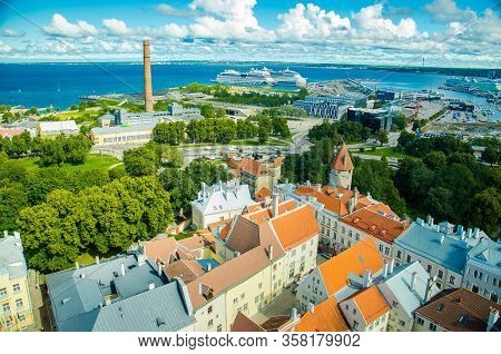 Tallinn, Estonia - August 15, 2016: View Of Old Town Of Tallinn, Port With Ships, Boats And Ferries