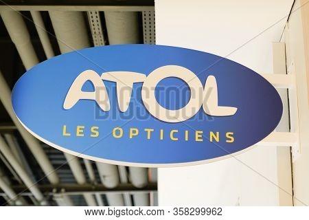 Bordeaux , Aquitaine / France - 01 15 2020 : Atol Optic Logo Shop Sign Store French Optician Glasses