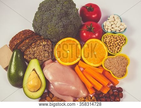 Nutritious Ingredients And Products Containing Vitamin B3 (pp, Niacin) And Other Natural Minerals, C