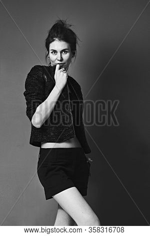 Pretty Young Girl Dressed In Casual Style Posing For Bw Shooting