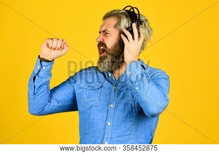 Future Singer. Good Mood Playlist. Man With Headset. Bearded Man Hipster In Headset. Listen Audio Bo