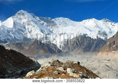 Mount Cho Oyu And Ngozumba Glacier - Way To Cho Oyu Base Camp - Everest Area, Sagarmatha National Pa