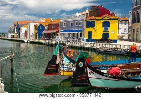 Aveiro, Portugal - June 13, 2017: Moliceiro Tradtional Boat Gondola On The Aveiro River