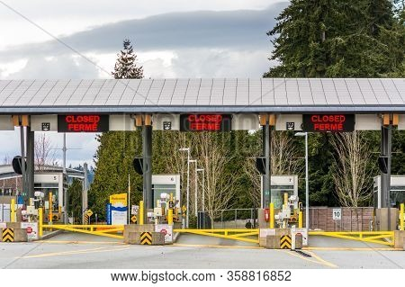 Surrey, Canada - March 29, 2020: Empty Inspection Stations At Closed Peace Arch Canadian Border Entr