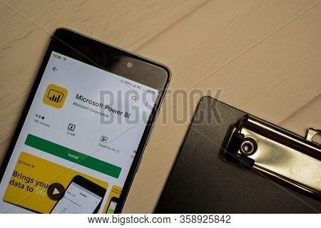 Bekasi, West Java, Indonesia. April 1, 2020 : Microsoft Power Bi Dev Application On Smartphone Scree
