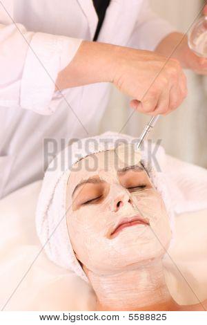 Gesichts-Behandlung