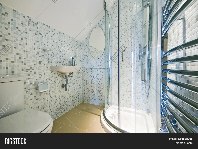 Modern Luxury En-suite Image & Photo (Free Trial) | Bigstock
