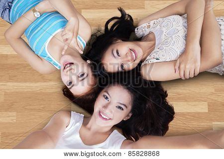 Girls Lying Down And Take Self Picture