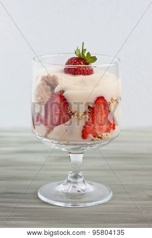 trifle with strawberry