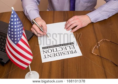 man filling president election with usa flag