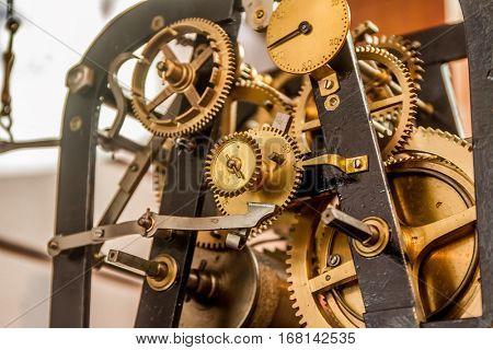 analog clockwork gear mechanism