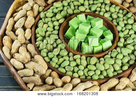 Big party green wasabi peanuts unshelled peanuts and wasabi cheese mix in oriental style