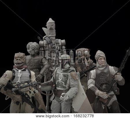 Vintage Series Hasbro Star Wars Action Figures depicting the bounty hunters Boba Fett, Bossk, Dengar, IG88, 4Lom & Zuckuss who were hired to capture Han Solo